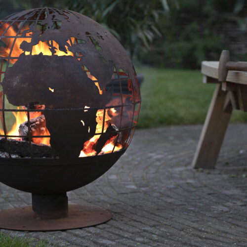 Vuurbal laser cut roest wereldbol