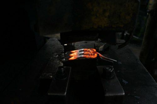 Handspork gesmeed staal